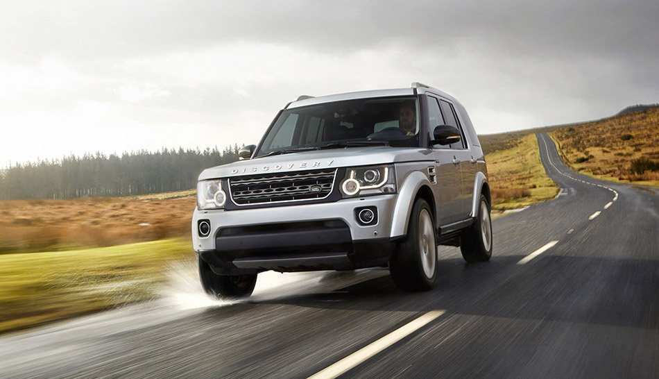 2014 Land Rover Discovery XXV Edition Front Angle
