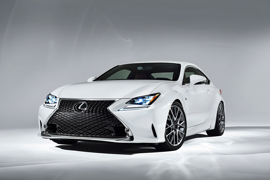 2015 Lexus RC350 F Sport Coupe Front Angle