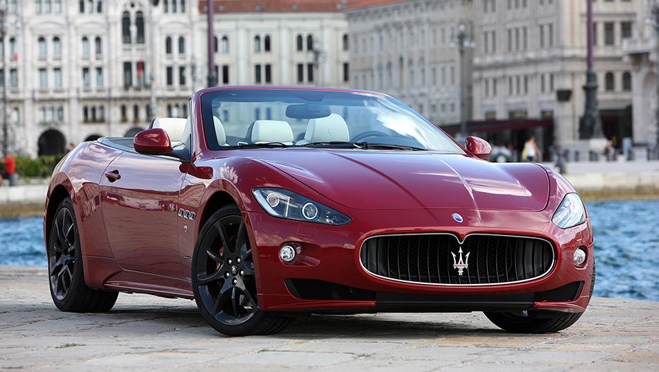 2012 Maserati GranCabrio Sport Front Angle