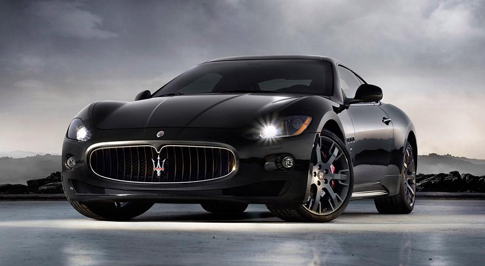 2009 Maserati GranTurismo S Front Angle