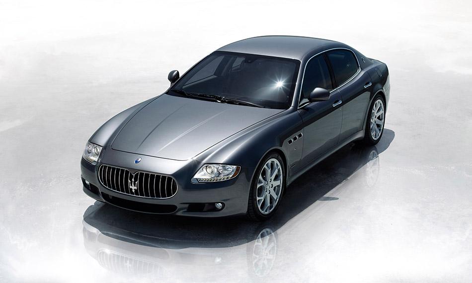 2009 Maserati Quattroporte Front Angle
