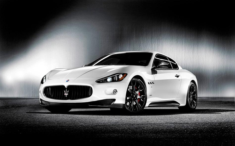 2010 Maserati Quattroporte Sport GT S MC Sport Line Front Angle