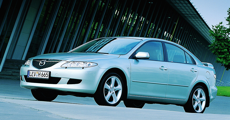 2002 Mazda 6 Sedan Front Angle