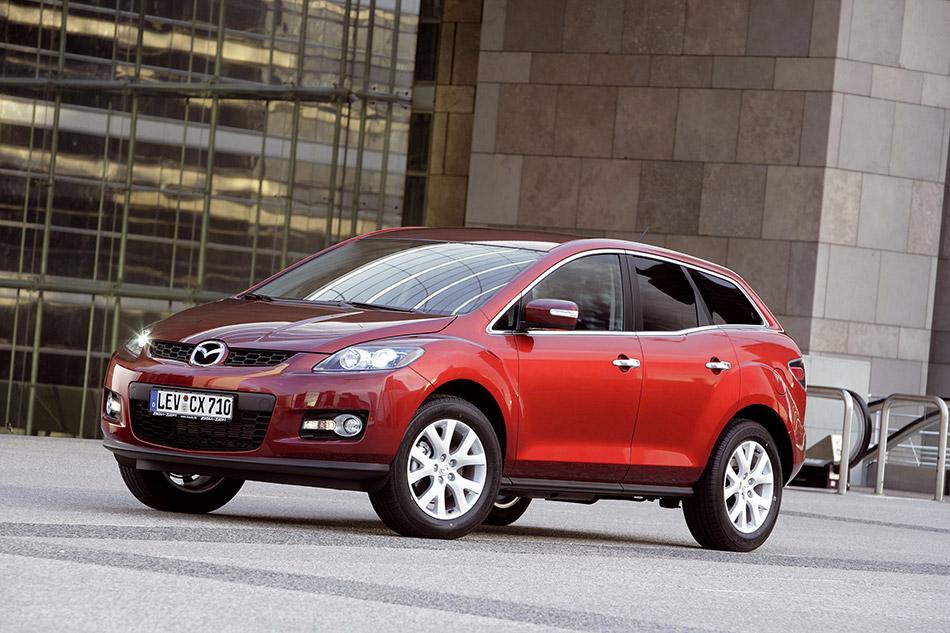 2007 Mazda CX-7 Front Angle