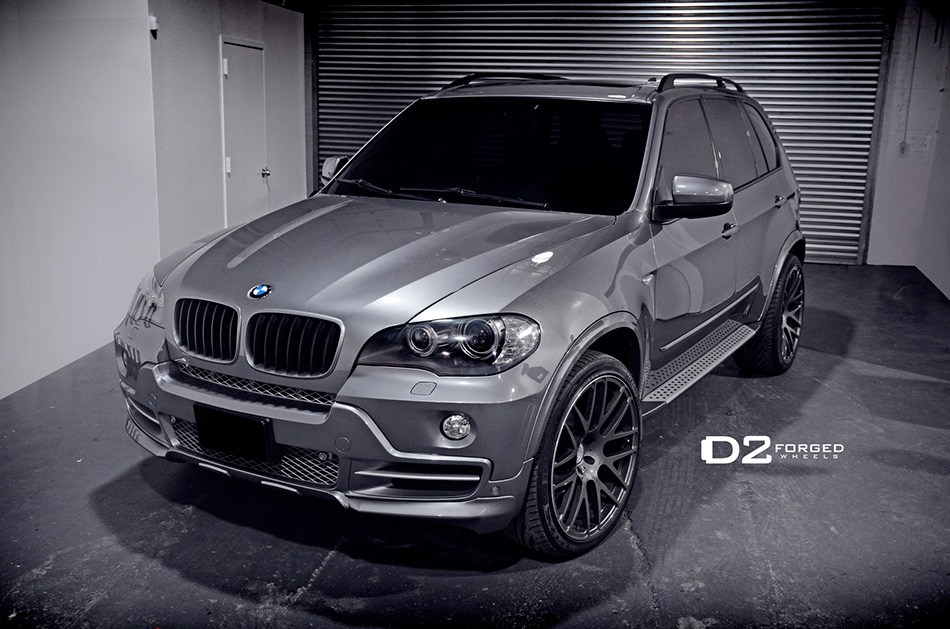 2014 D2Forged BMW X5 Front Angle