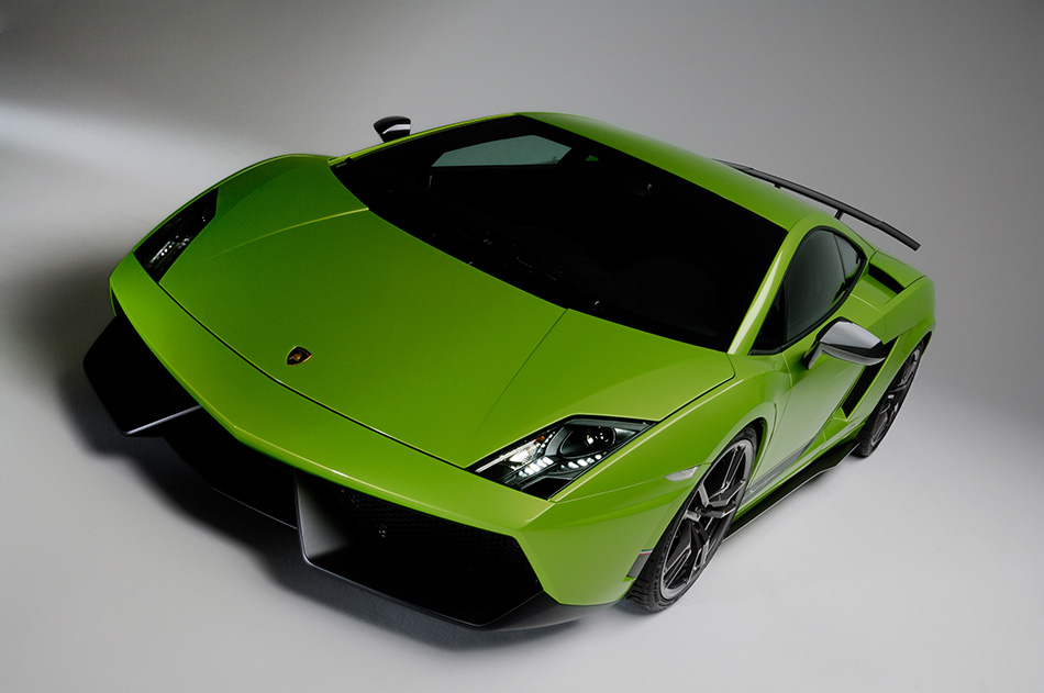 2011 Lamborghini Gallardo LP570-4 Superleggera Front Angle