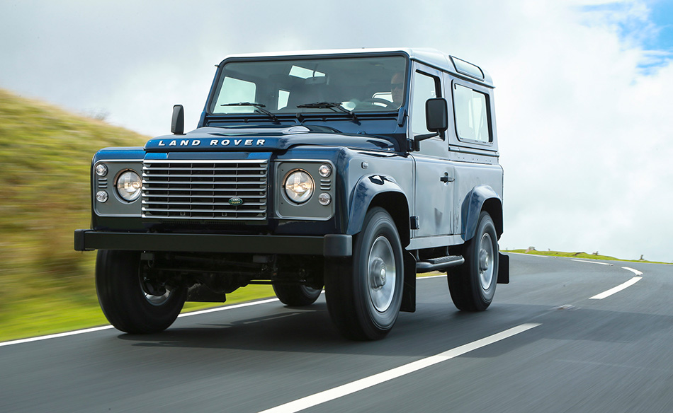 2013 Land Rover Defender Front Angle