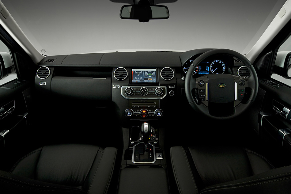 2010 Land Rover Discovery 4 Interior