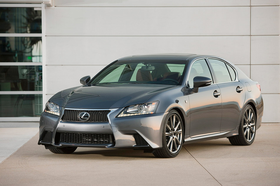 2013 Lexus GS 350 F Sport Front Angle