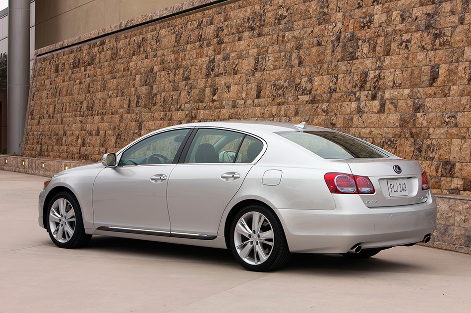 2010 Lexus GS 450h Rear Angle