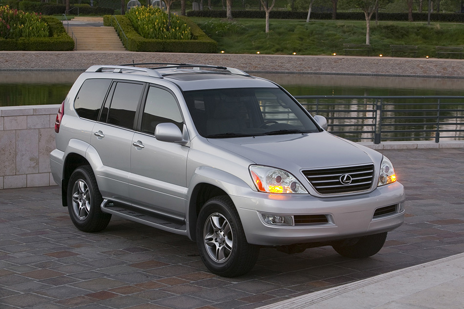 2009 Lexus GX 470 Front Angle