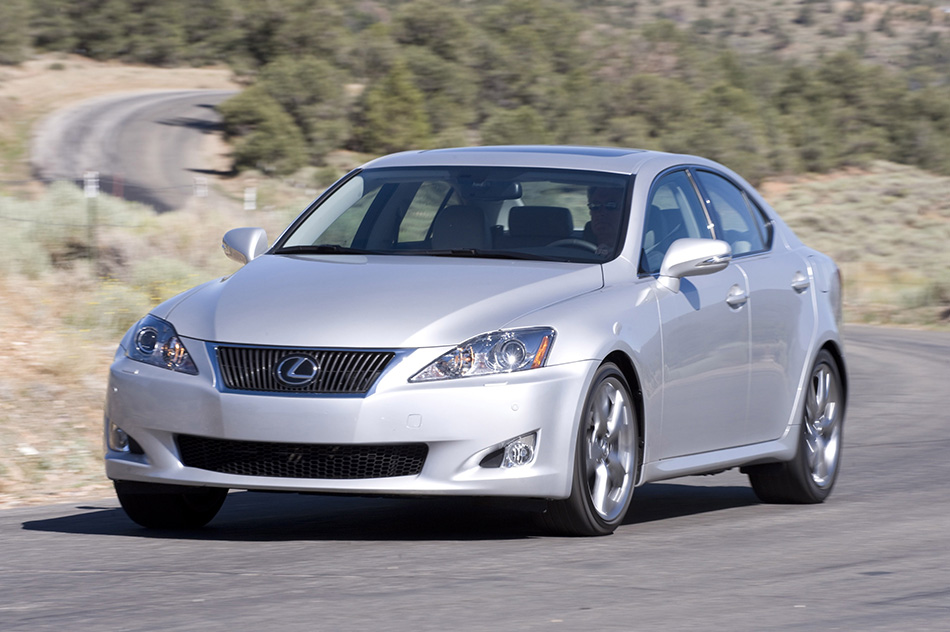 2009 Lexus IS 350 Front Angle
