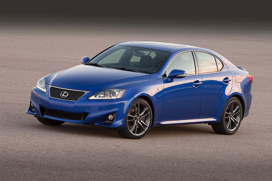 2011 Lexus IS 350 F Sport Front Angle
