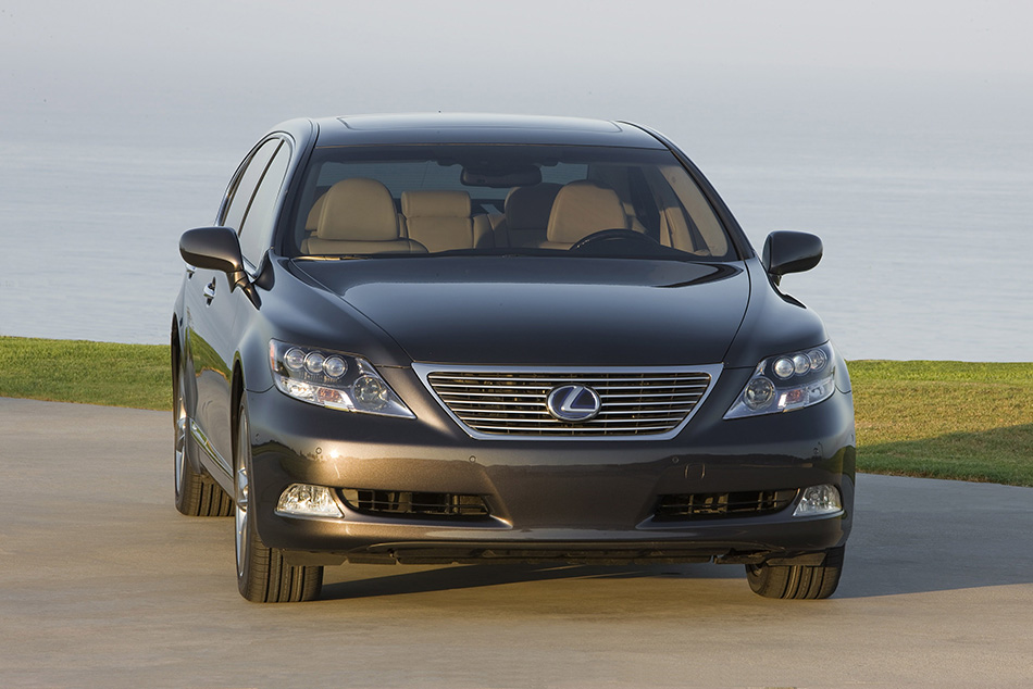 2009 Lexus LS 600h L Pebble Beach Edition Front