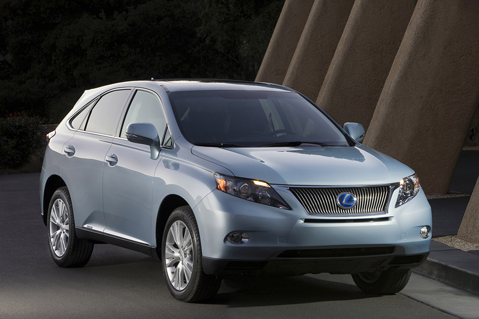 2010 Lexus RX 450h Front Angle