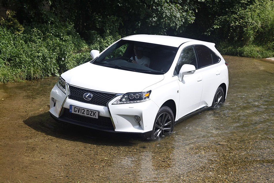 2013 Lexus RX 450h F Sport Front Angle