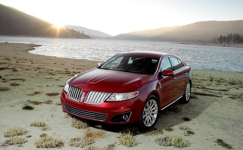 2009 Lincoln MKS Front Angle