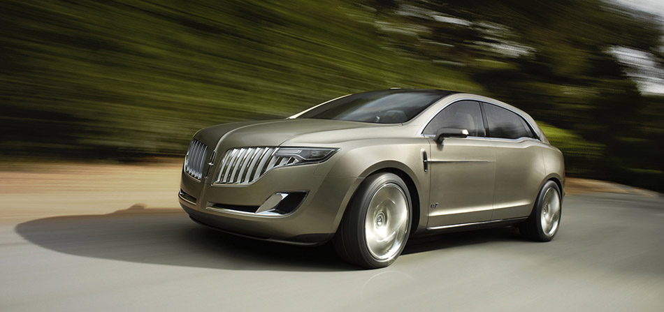 2008 Lincoln MKT Concept Front Angle