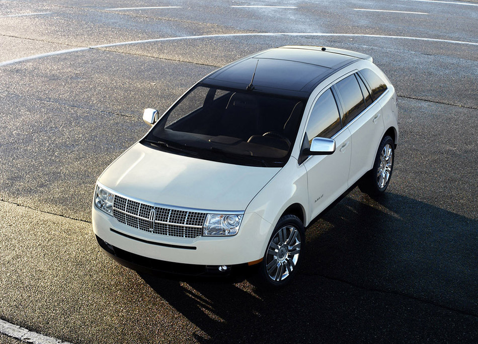2007 Lincoln MKX Front Angle
