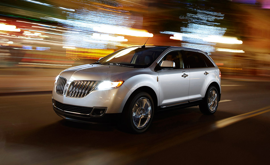 2011 Lincoln MKX Front Angle