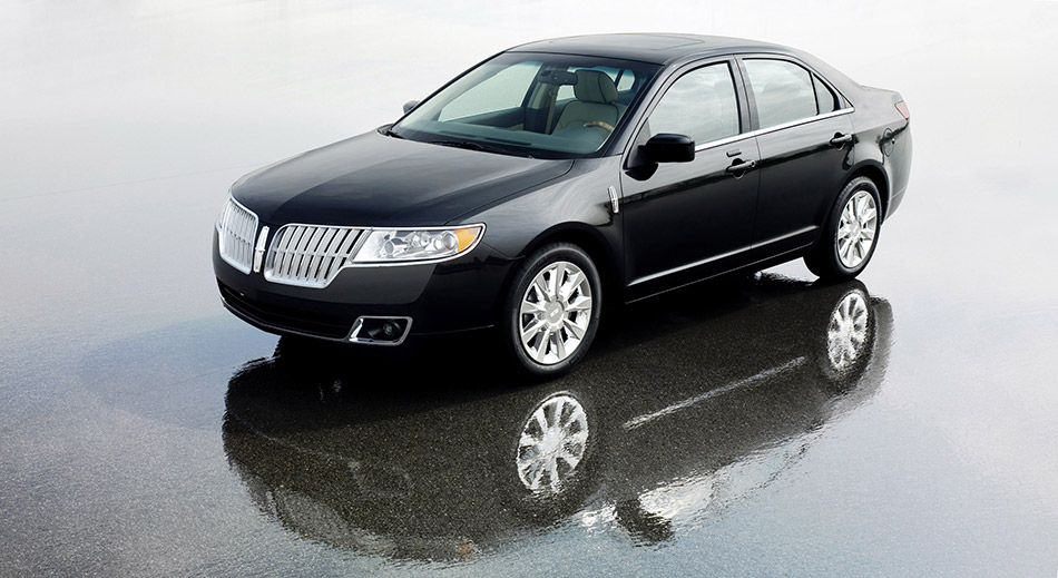 2010 Lincoln MKZ Front Angle