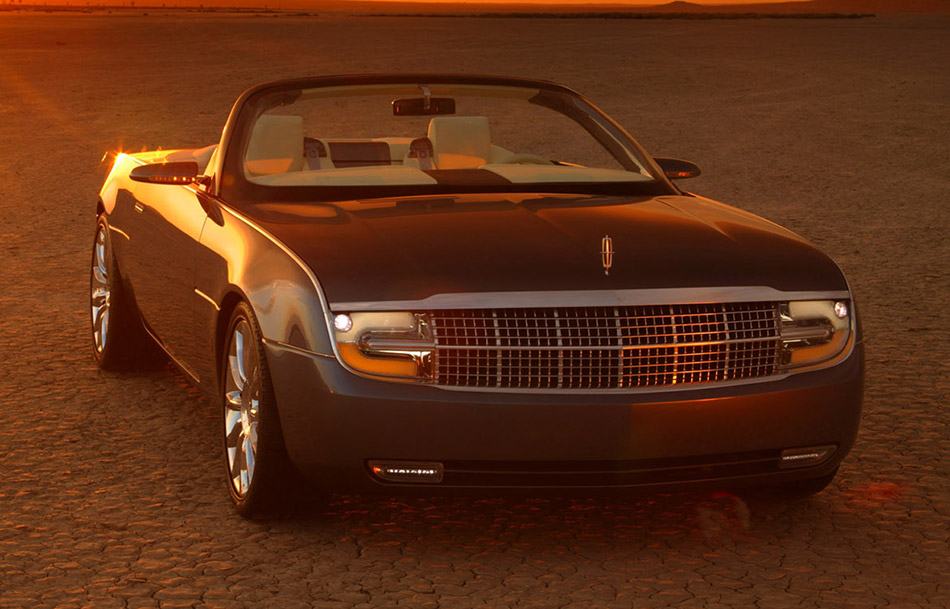 2004 Lincoln Mark X Concept Front Angle