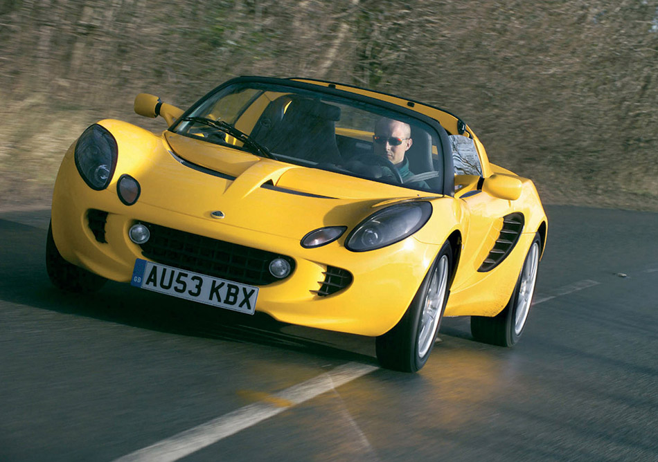 2004 Lotus Elise 111R Front Angle