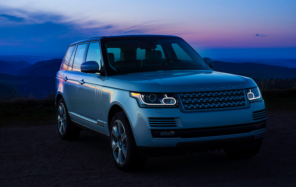 2015 Range Rover Hybrid Front Angle