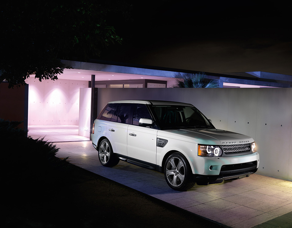 2010 Range Rover Sport Front Angle