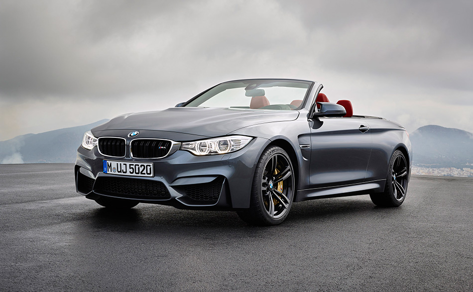 2015 BMW M4 Convertible Front Angle