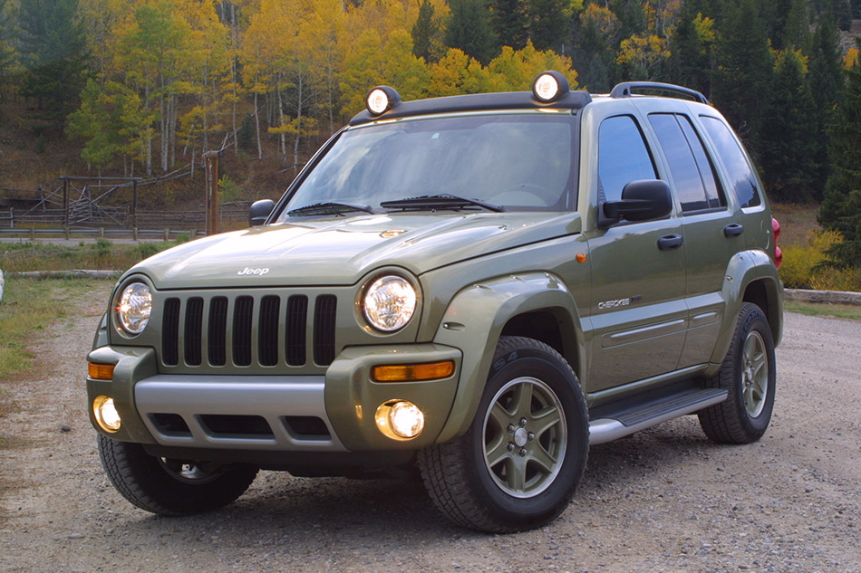 2003 Jeep Cherokee Renegade Front Angle