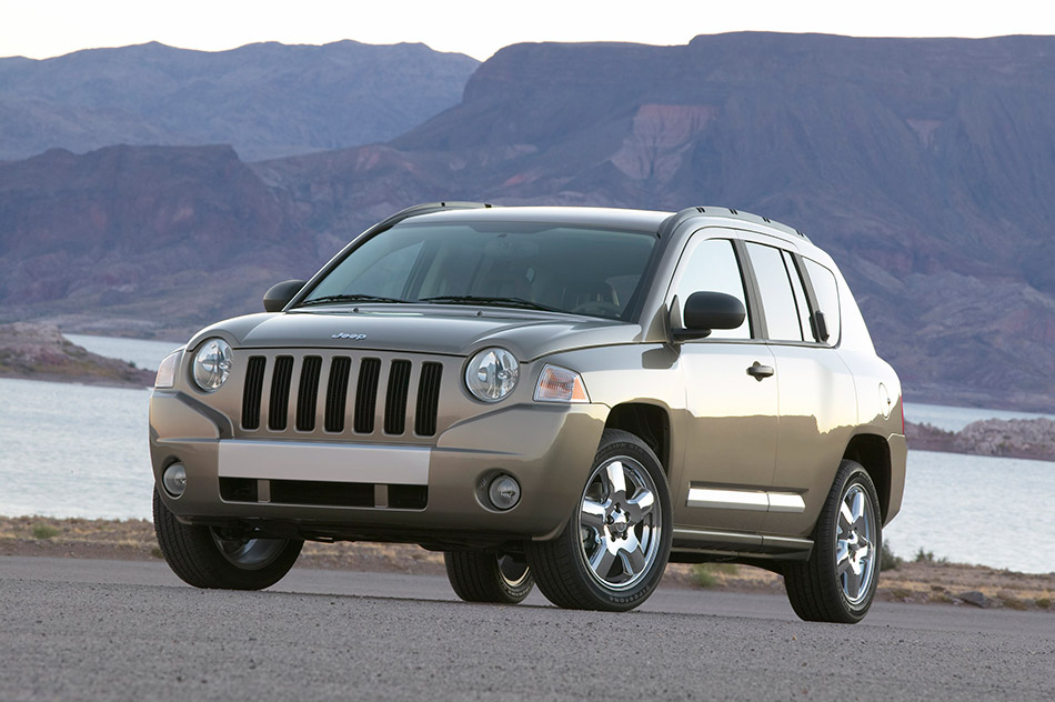 2007 Jeep Compass Front Angle