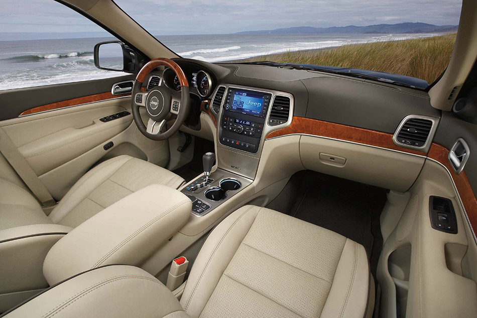 2011 Jeep Grand Cherokee Interior