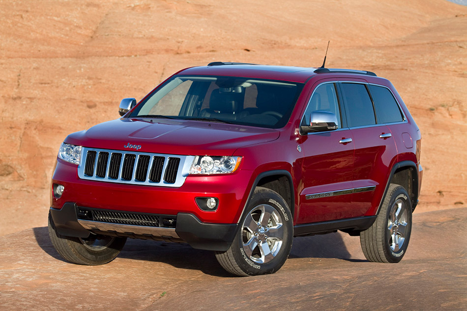 2011 Jeep Grand Cherokee Front Angle