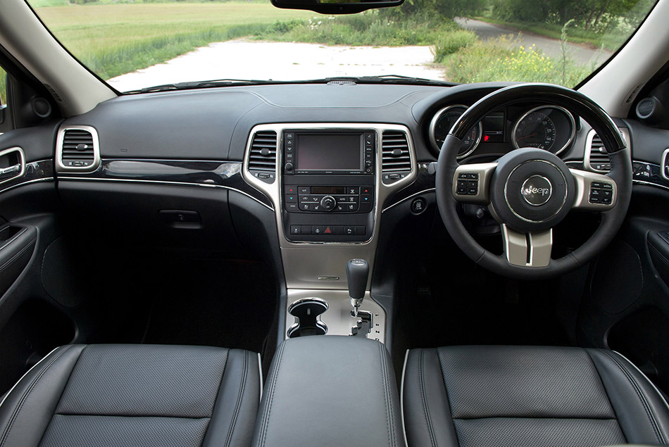 2011 Jeep Grand Cherokee UK Version Interior