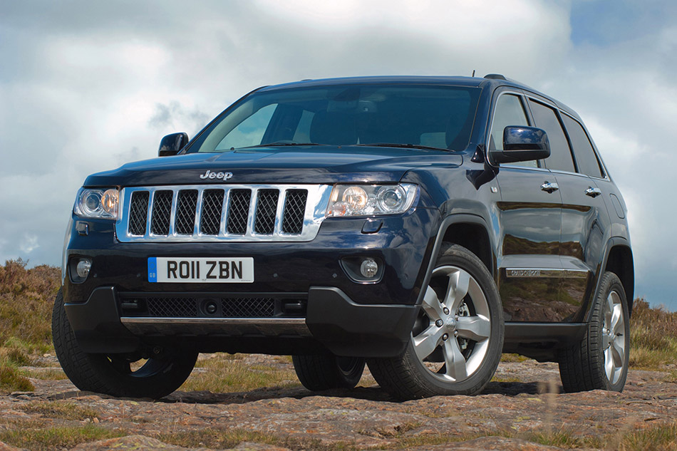 2011 Jeep Grand Cherokee UK Version Front Angle