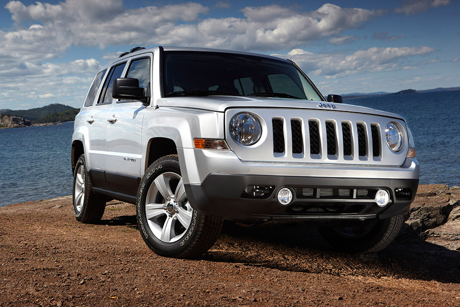 2011 Jeep Patriot Front Angle