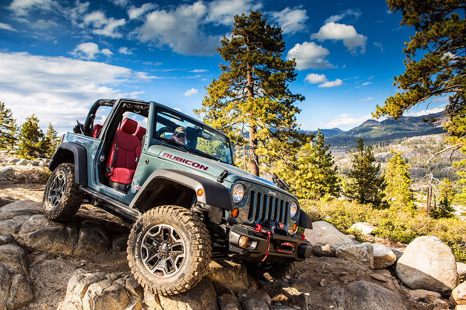 2013 Jeep Wrangler Rubicon 10th Anniversary Front Angle