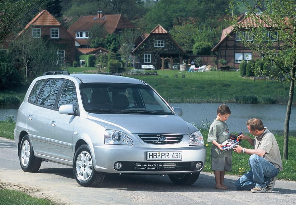 2006 Kia Carens Front Angle