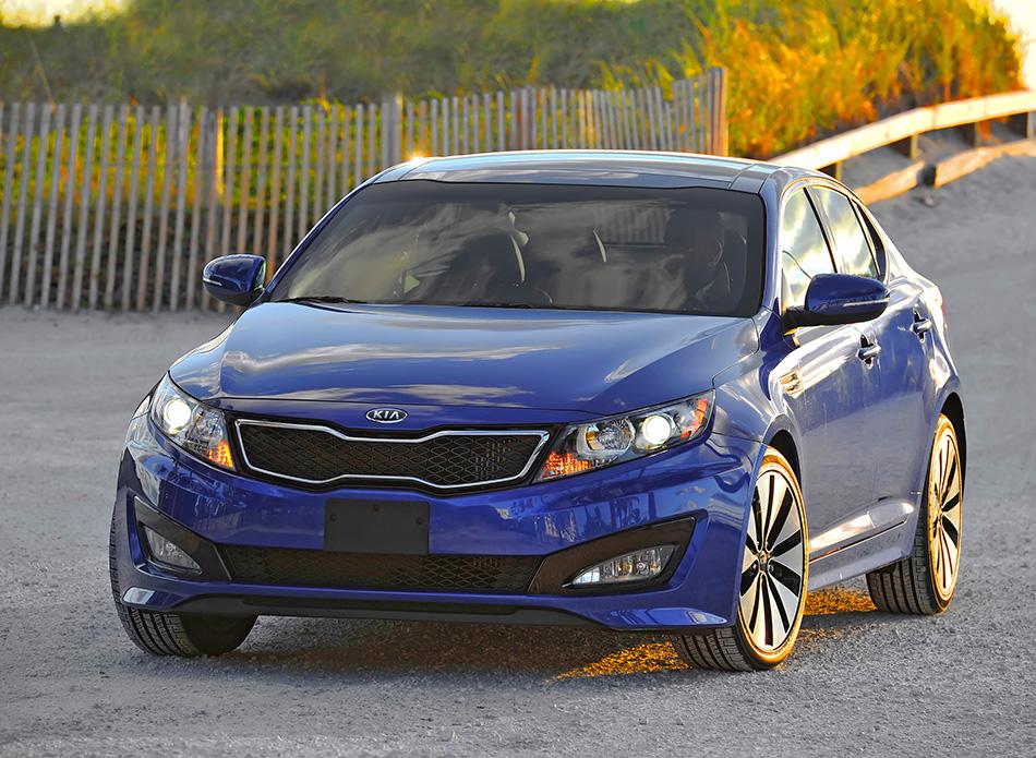 2012 Kia Optima Front Angle