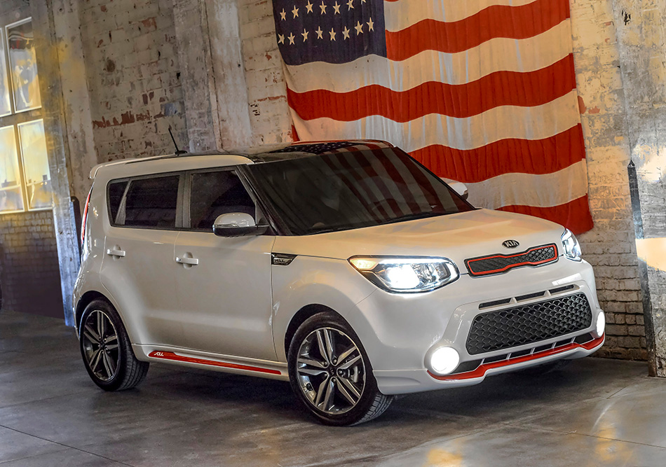 2014 Kia Soul Red Zone Special Edition Front Angle