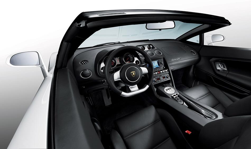 2009 Lamborghini Gallardo LP560-4 Spyder Interior