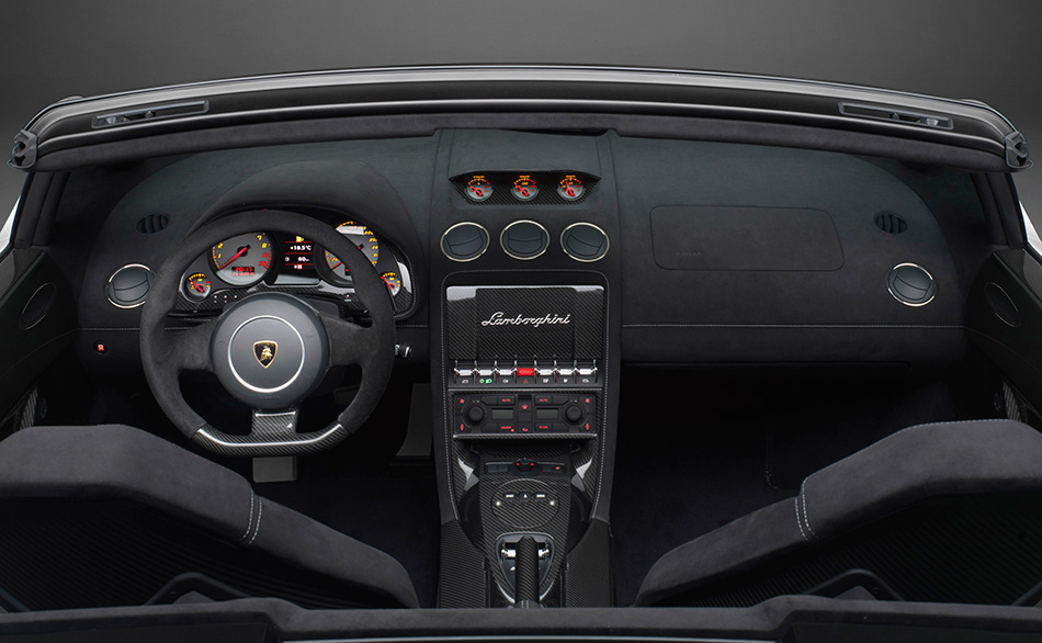 2011 Lamborghini Gallardo LP570-4 Spyder Performante Interior