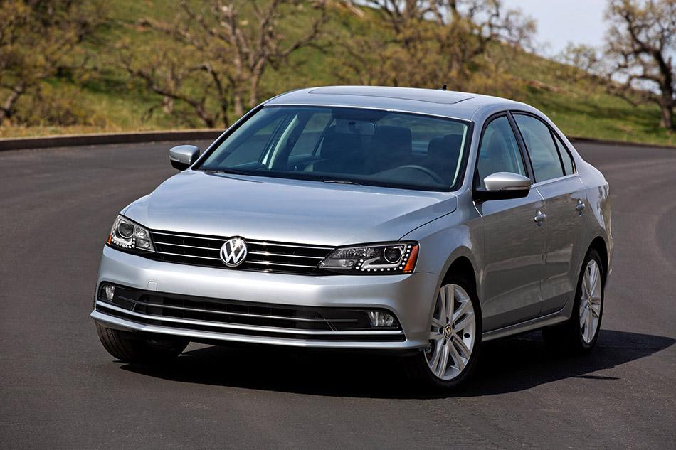 2015 Volkswagen Jetta Front Angle