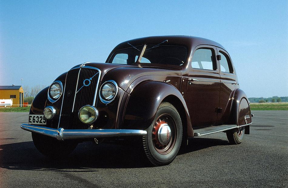 1935 Volvo PV36 Carioca Front Angle