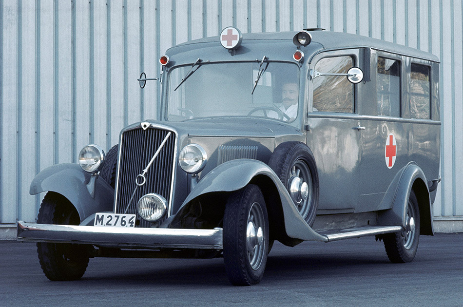 1929 Volvo PV650-2 Front Angle