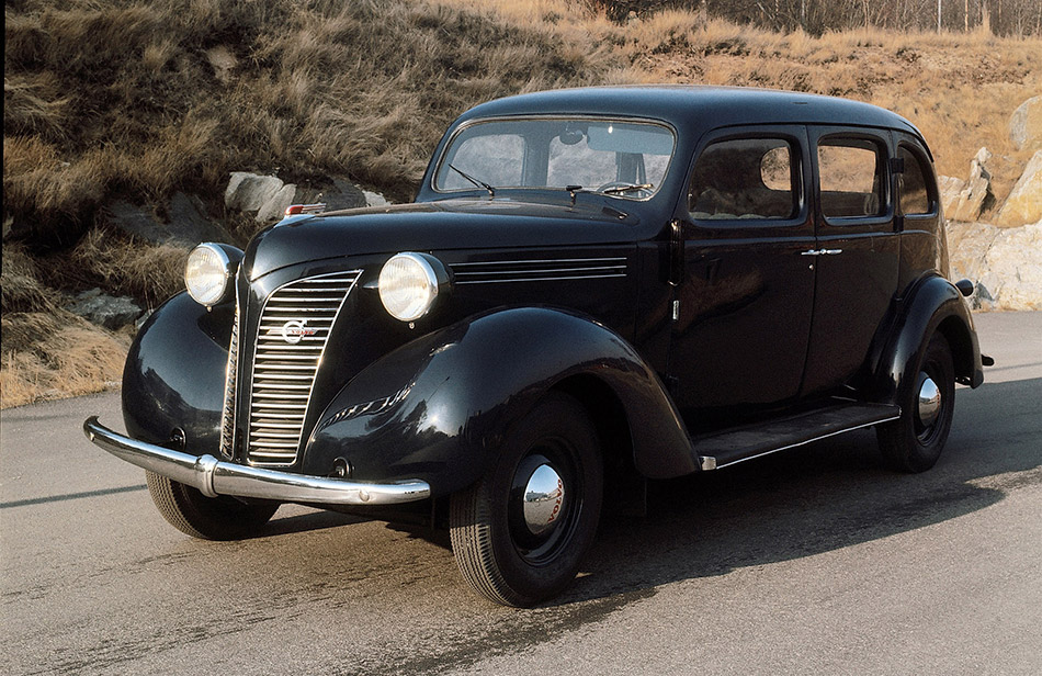 1938 Volvo PV801-10 Front Angle