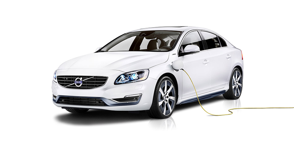 2015 Volvo S60L PPHEV Concept Front Angle