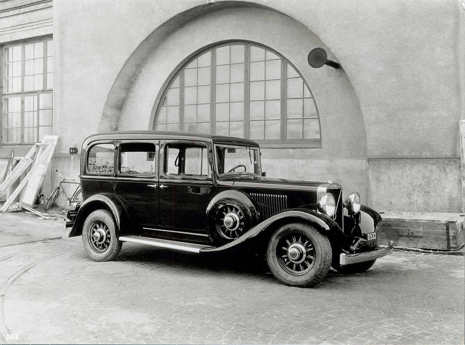 1935 Volvo TR701-4 Front Angle