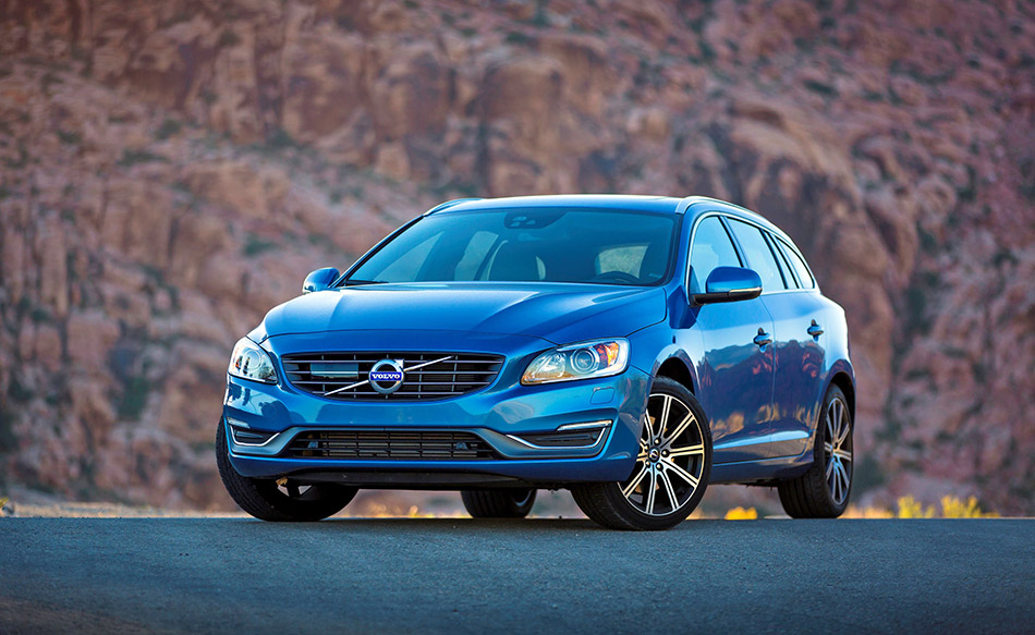 2015 Volvo V60 Front Angle